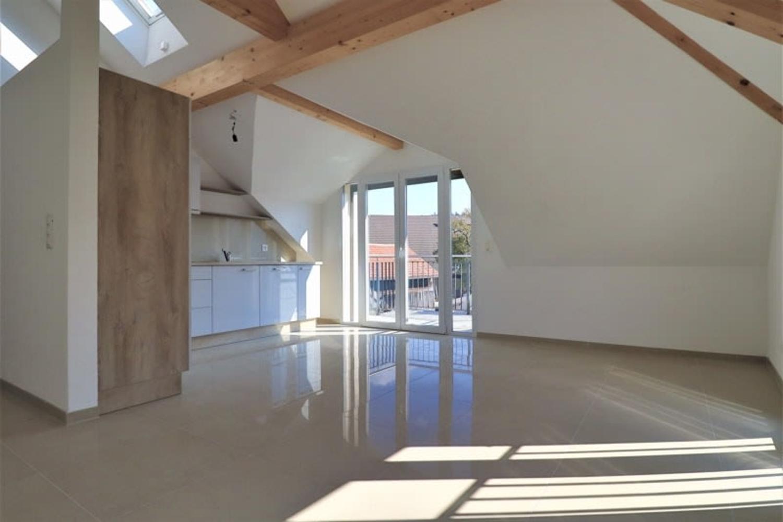 Neu sanierte Dachwohnung mit Charme