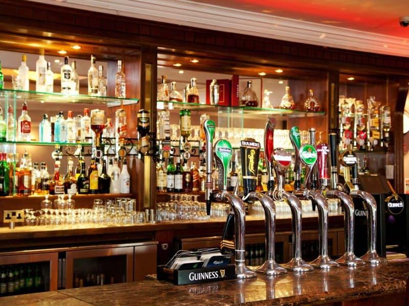 Grand Bar dans les environs de Gros-de-Vaud