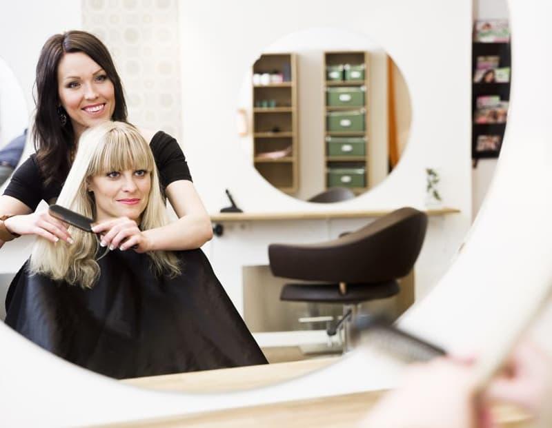Genève : Très joli Salon de coiffure à remettre.