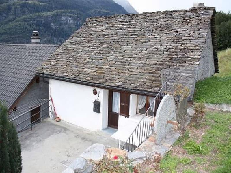 Casa con terrazza / Haus mit Terrasse