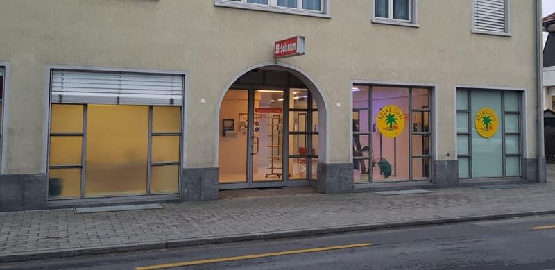 Laden im Wohn- und Geschäftshaus National