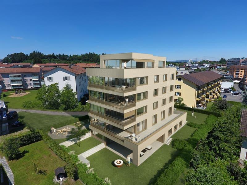 Exklusives Wohnen fast wie im Einfamilienhaus - eigene Etage, Wintergarten, Sitzplatz und Garten