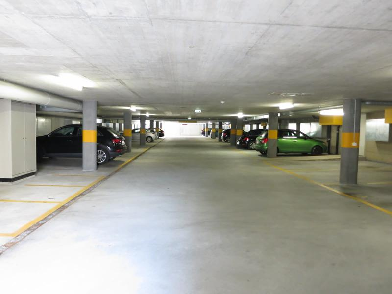 Motorradplatz direkt beim Volkiland/Kindercity