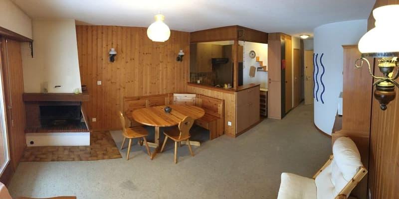 A LOUER Studio meublé avec cheminée et terrasse Magnifique vue !