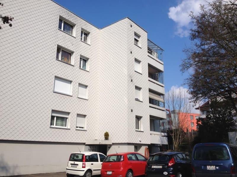 Hallenplatz Nr. 6