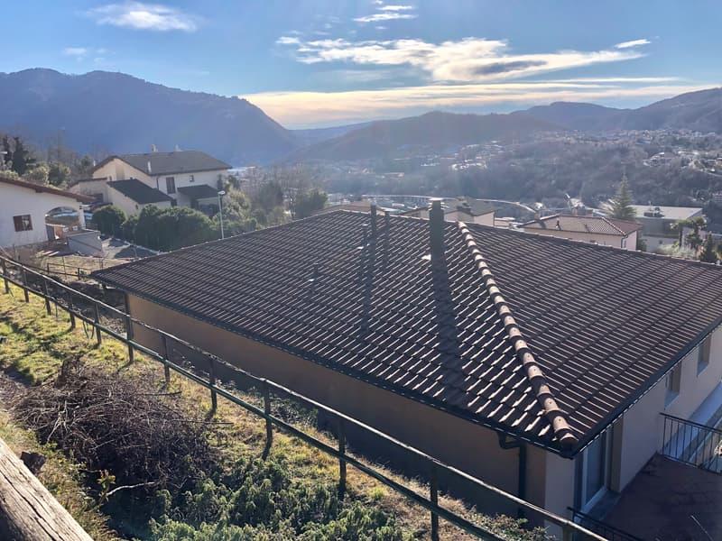 Villa bifamiliare a Vacallo alta