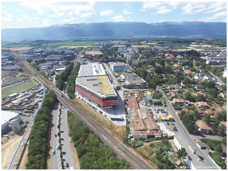 Entrepôt de 15'000 m2 divisible dès 100 m2 // livraison fin 2020