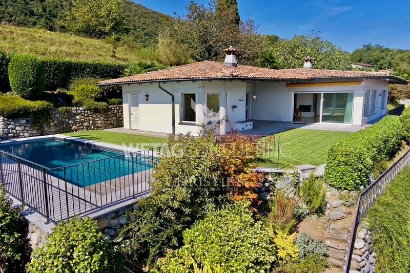 Villa mit Schwimmbad & spektakulärer Sicht auf den See