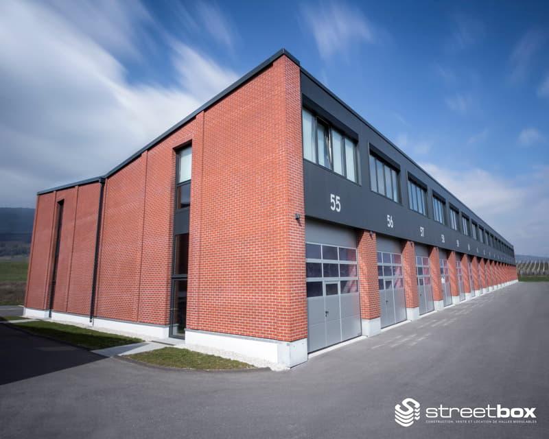 Local artisanal et bureaux de 345 m2 divisibles à partir de 115 m2 à louer à Avenches