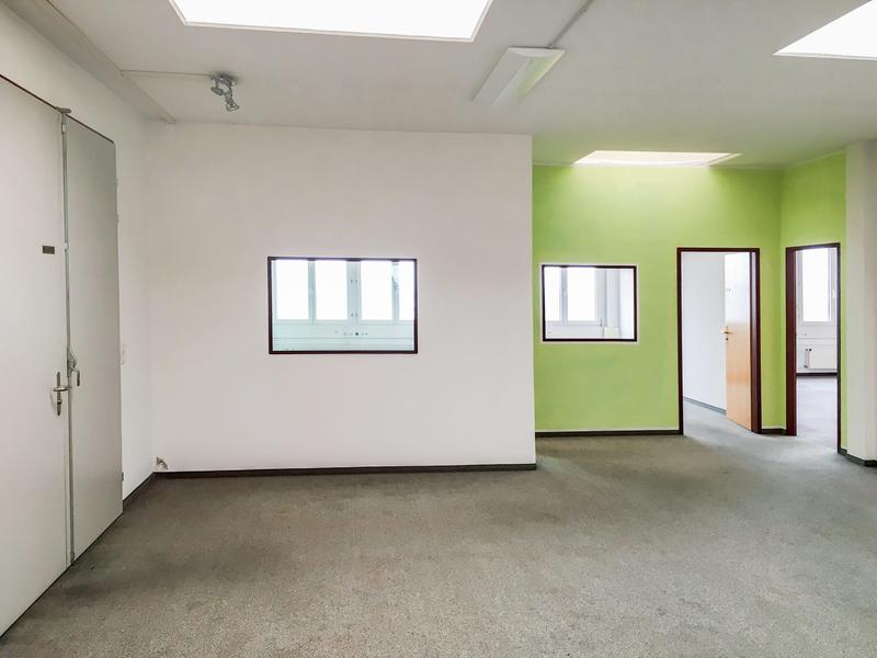 270 m2 ausgebaute Büro-/Gewerbefläche