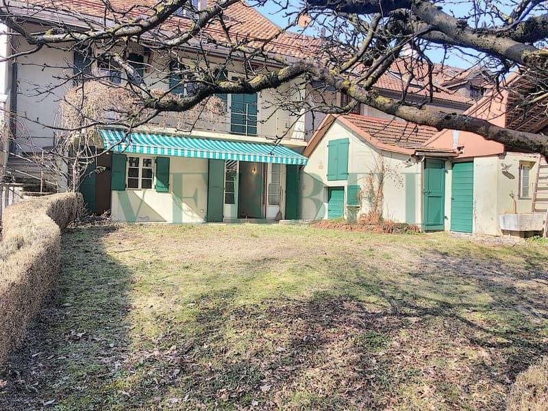 Maison villageoise de 300m² au coeur de Genolier avec jardin arboré