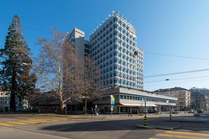 Hochhaus zur Palme: revitalisierte Büros im CBD (1)