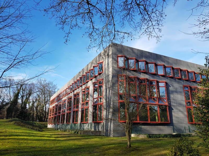 Immeuble administratif et artisanal neuf - plus de 3'600m²