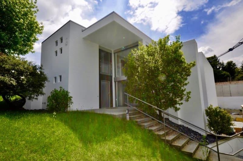Moderna Villa di Lusso Nuova di Zecca in vendita a Collina d'Oro