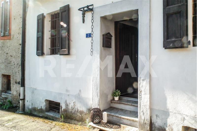 3-Zimmer-Ferienhaus mit Mansarde, Loggia und separatem Grundstück  / Rustico e terreno