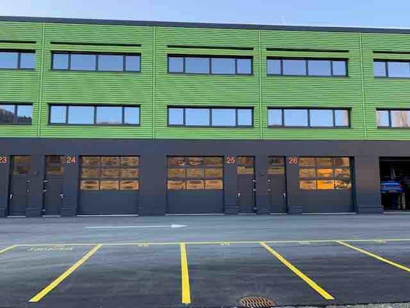 Surfaces à usage mixte «Ateliers, Dépôts ou Administratives» à louer dans halles individuelles