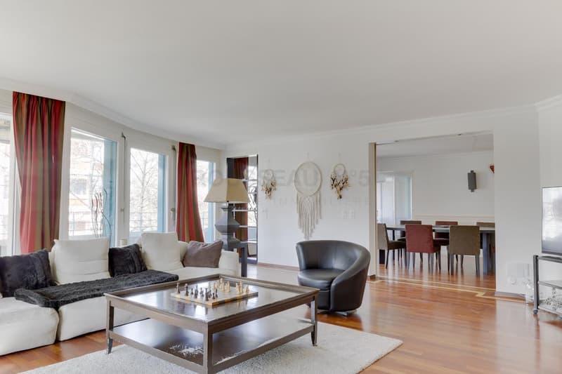 Somptueux appartement traversant à Frontenex