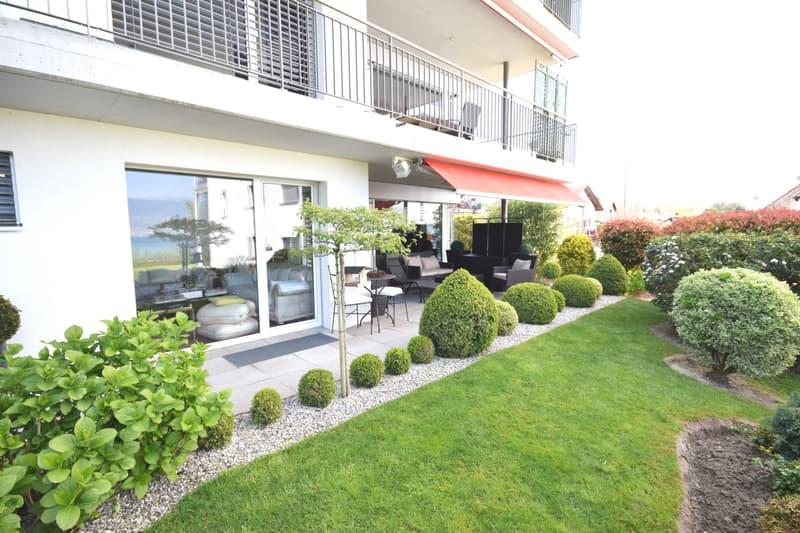 Appartement de standing avec vue sur le lac et le Jura