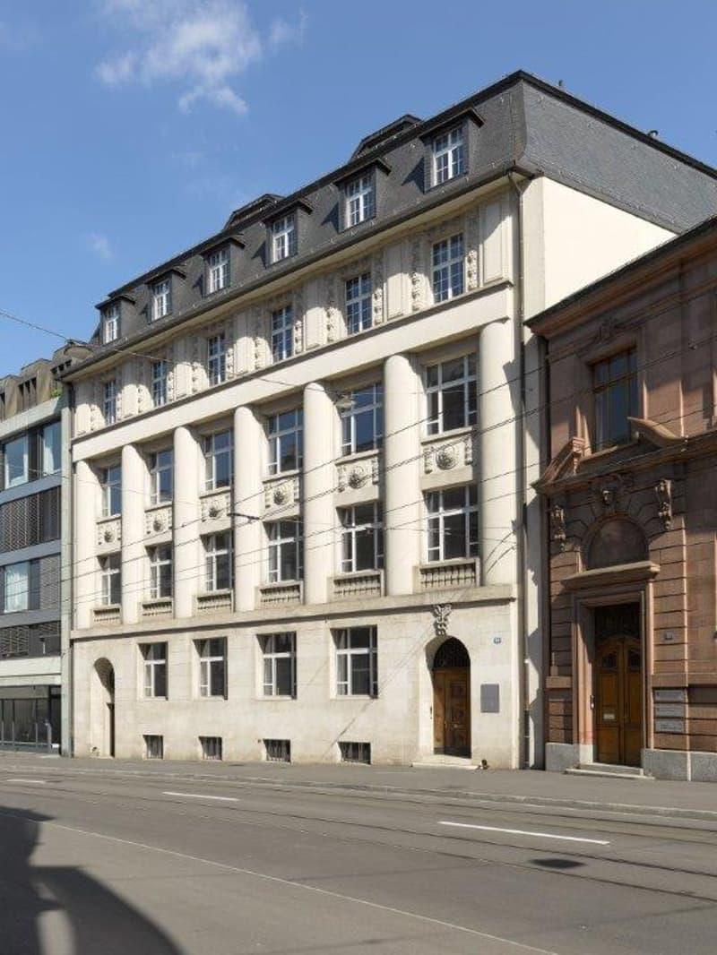 Wir vermieten attraktive Büroräumlichkeiten im Zentrum von Basel in unmittelbarer Nähe zum Bahnhof.