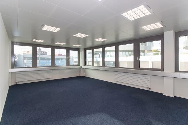 630 m2 voll ausgebaute und repräsentative Büros!