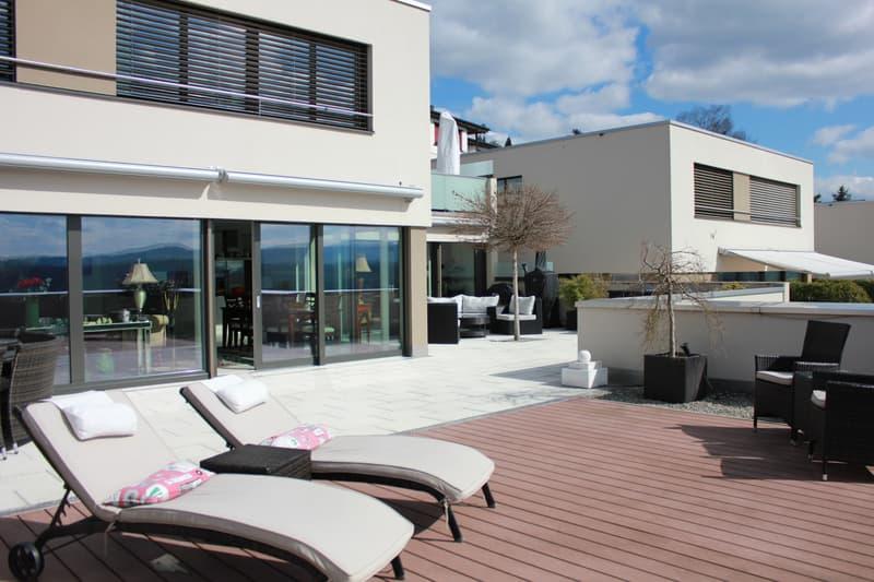 Luxus Terrassenhaus im steuergünstigen Zufikon (1)