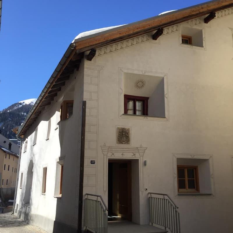 5 Zimmer Hausteil mit traumhafter Aussicht in wunderschönem Engadinerhaus