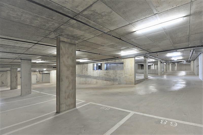 Places de parc dans garage souterrain à vendre à Gilly