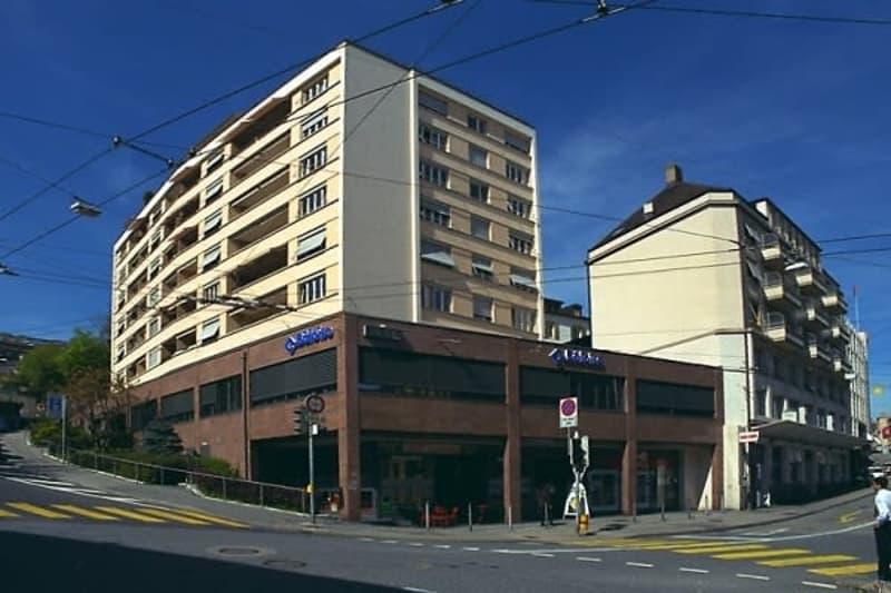 Surface de 133 m2 avec vitrines proche du centre-ville