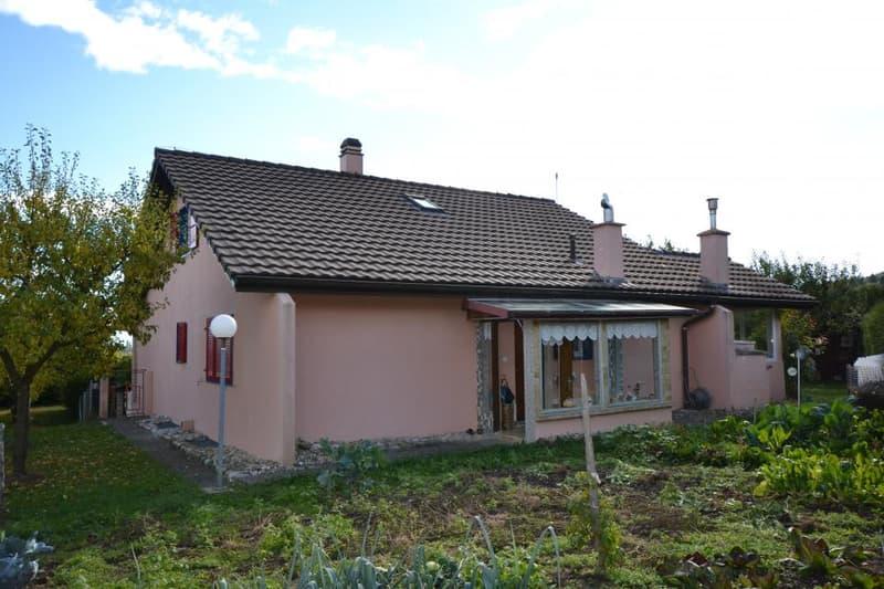 Villa avec nombreuses possibilités d'aménagement