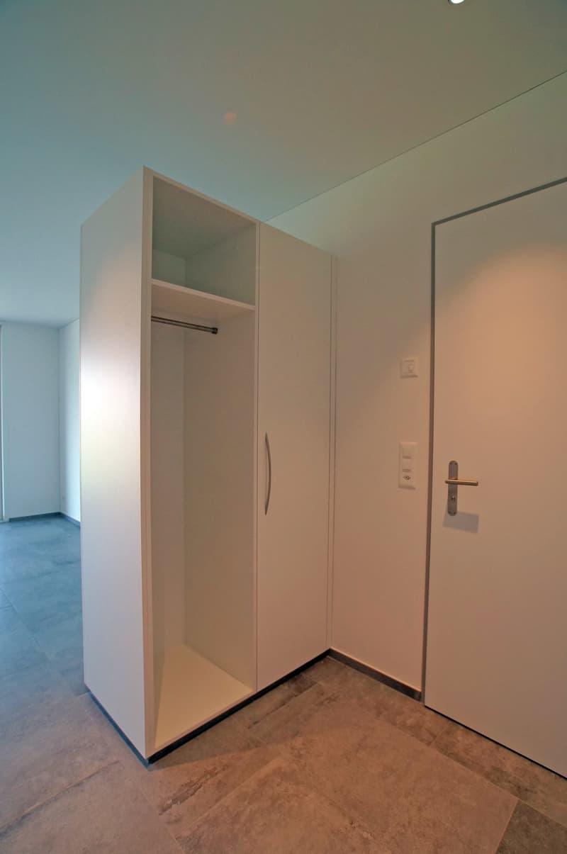 Ruhige 2.5 Zimmer Wohnung mit wunderschöner Aussicht (3)