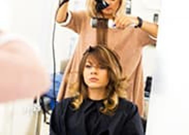 Sierre centre : Salon de coiffure à remettre.