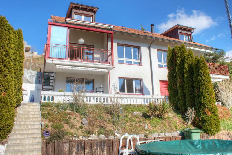 Sonnenverwöhntes 5.5-Zimmer-Reiheneinfamilienhaus an erhöhter Lage (1)