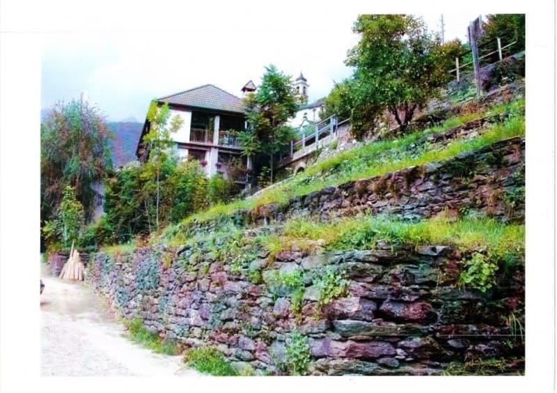 Grundstück mit Baubewilligung für 5 Familienhaus an ruhiger, sonniger