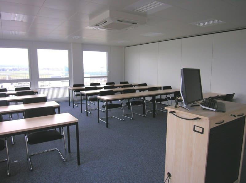 Büro- oder Schulungsräume an zentraler Lage mit Terrasse und Fernsicht
