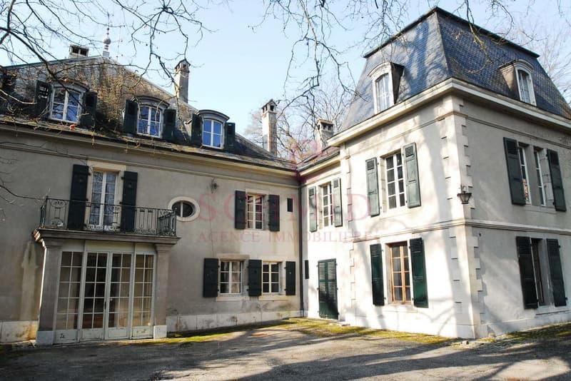 Magnifique Maison de Maître du XVIIIè bâtie dans un grand parc
