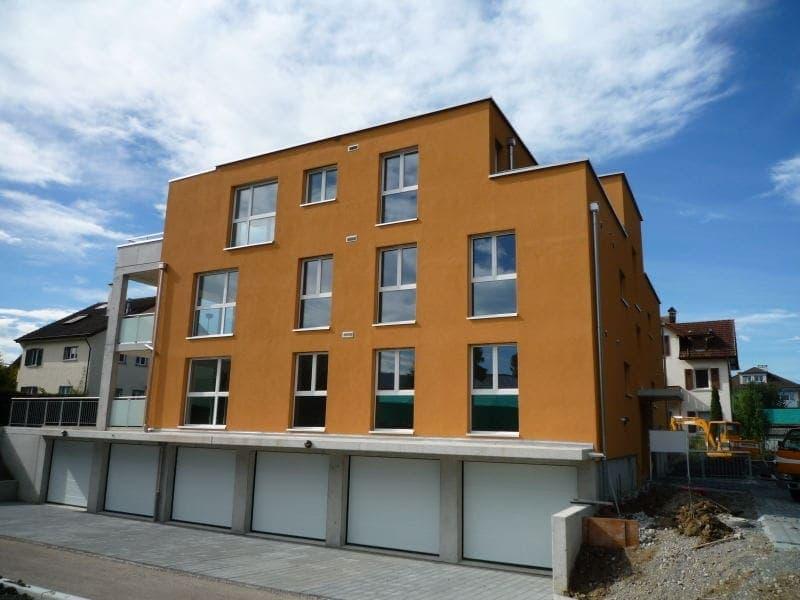 Das 6Familienhaus befindet sich in unmittelbarer Nähe des Bodensees.