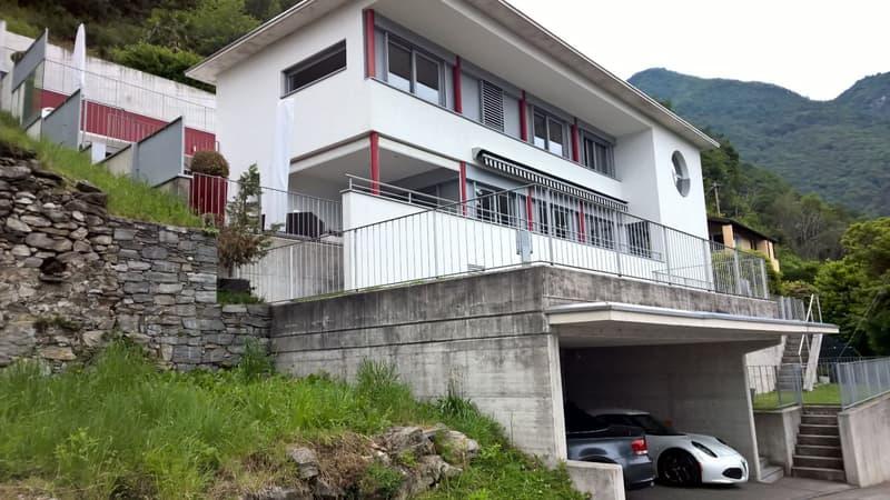 Villa moderna con piscina (residenza primaria o secondaria)