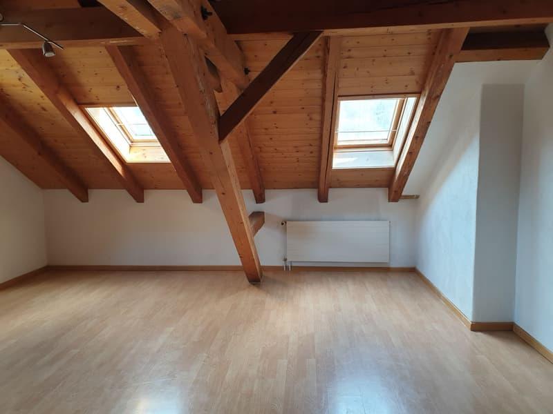 Helle 3.5 Zimmer-Dachwohnung