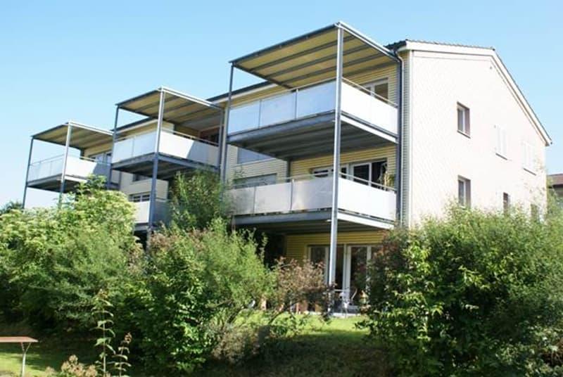 Grosszügige 3.5-Zimmer-Wohnung mit sonnigem Balkon im obersten Stockwerk