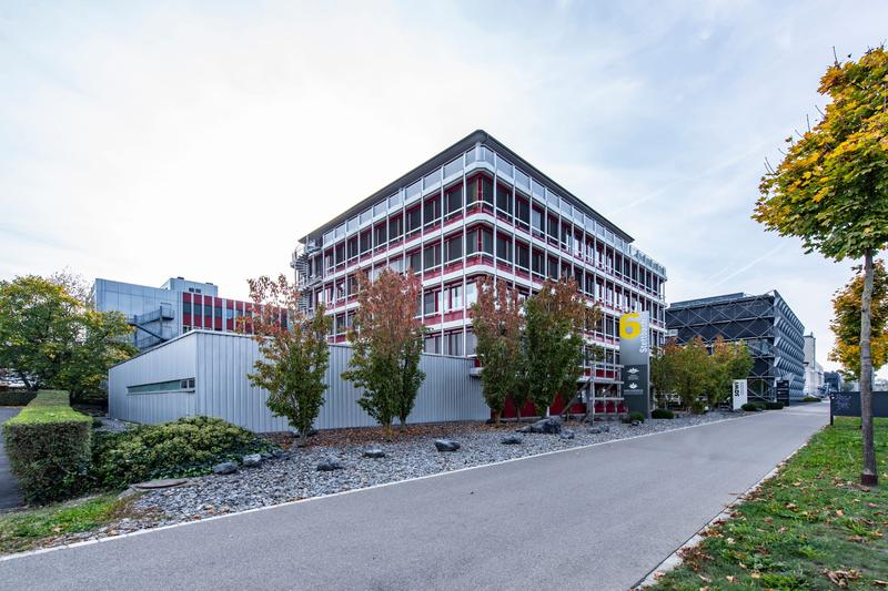 Ausgebaute Büroflächen an hervorragender Lage zu vermieten (2)