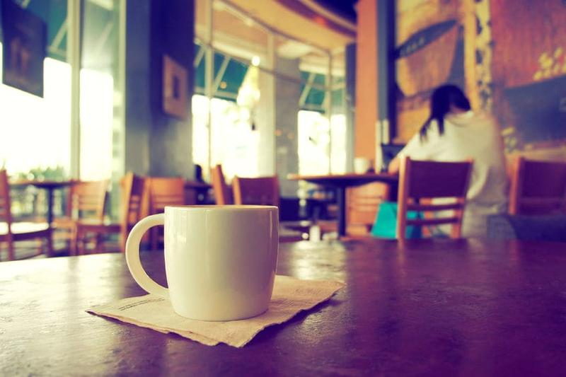 Proche de Sion : Tea-room à remettre.