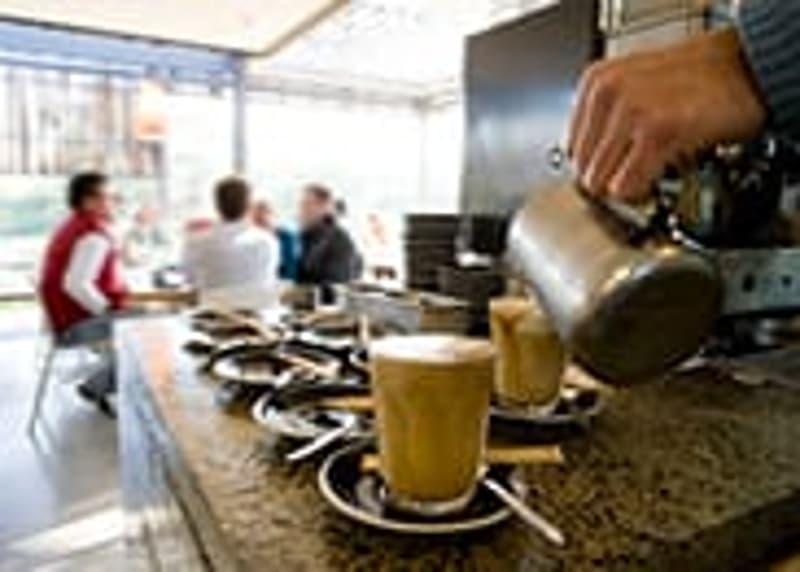 A l'Ouest de Neuchâtel : Trés Beau Bar Café à vendre