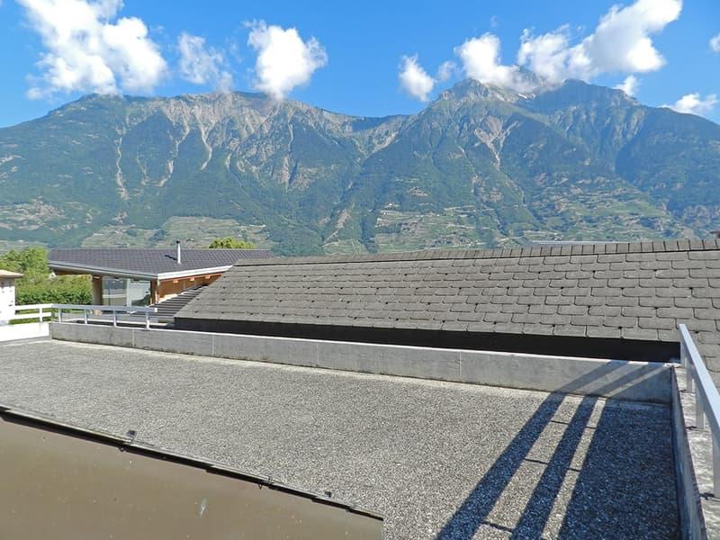 Villa individuelle avec belle terrasse de 100m2 env...