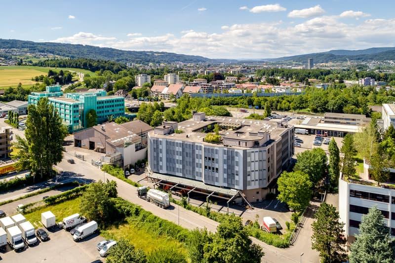 Gewerbehaus ACHTECK direkt beim Autobahnanschluss Urdorf-Nord
