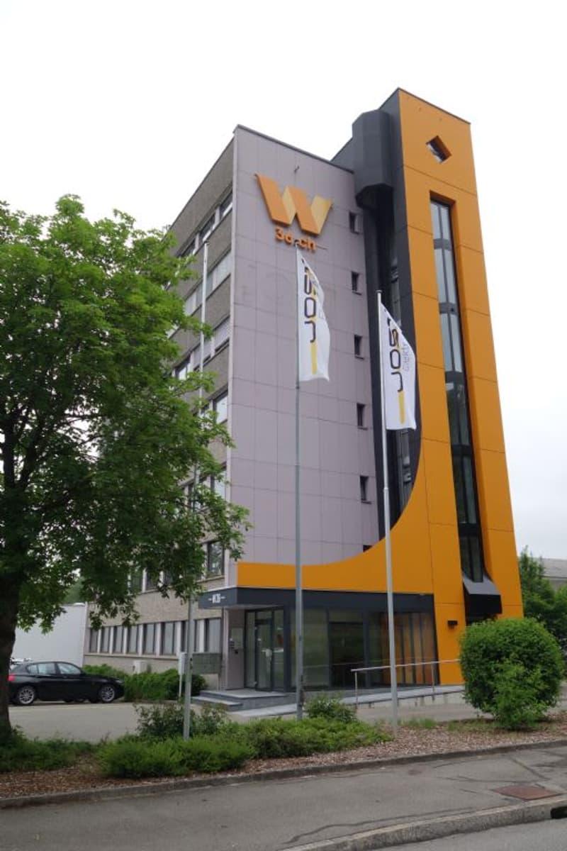 Markanter Büroliftturm
