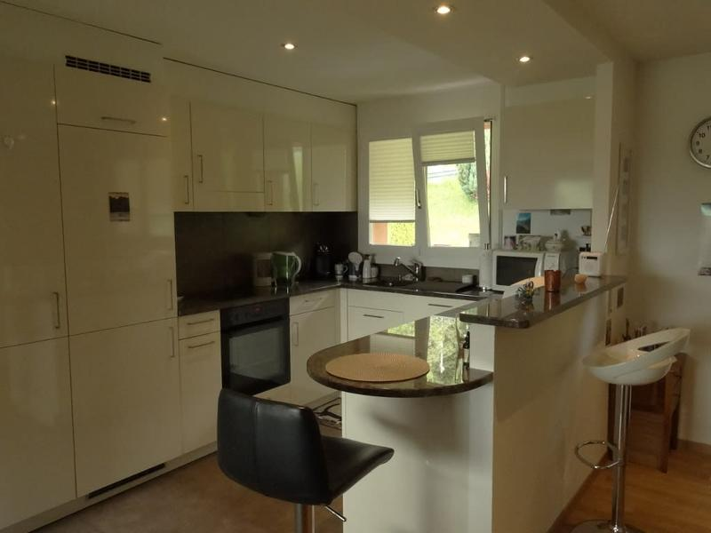 Vue magnifique pour cet appartement rénové en attique à 5 minutes de Montreux !