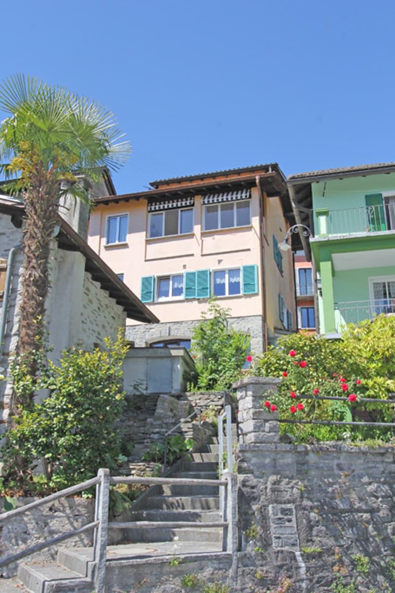Casa su 3 piani con vista e terrazza / Wohnhaus auf 3 Etagen mit Aussicht und Terrasse