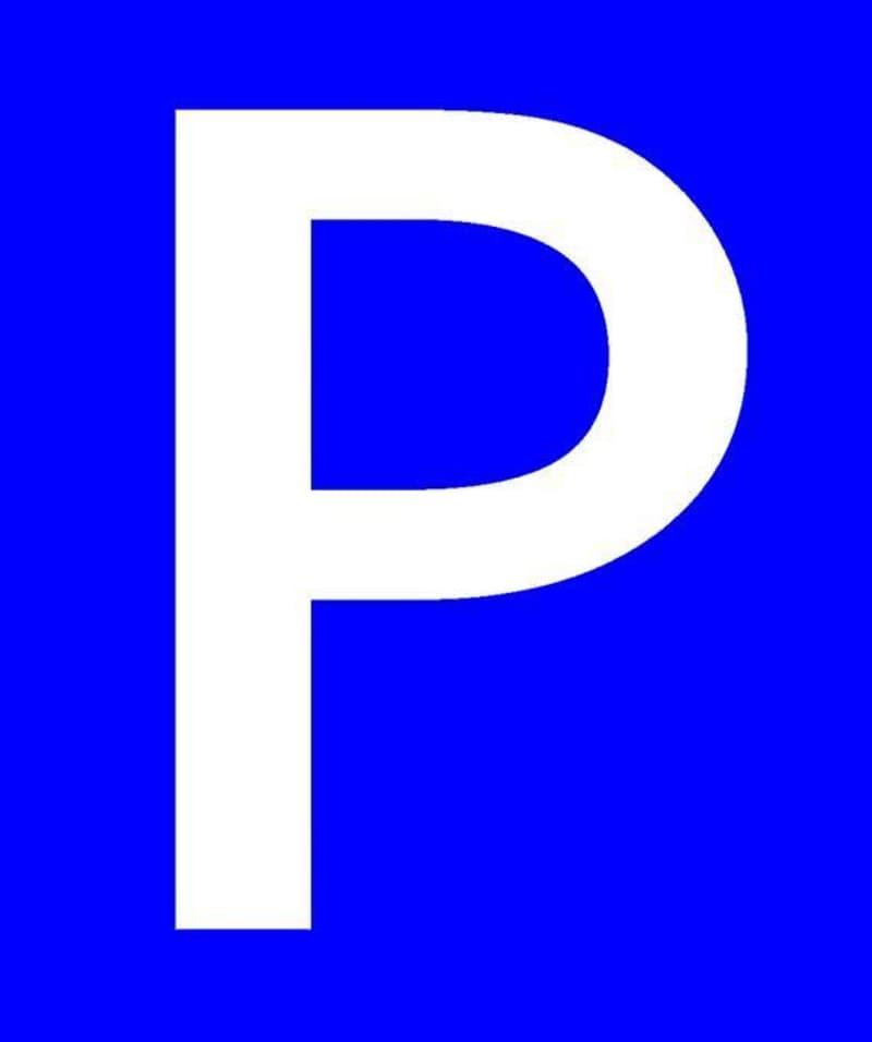 Ideal für Pendler - Einstellhallenplätze und Aussenparkplatz