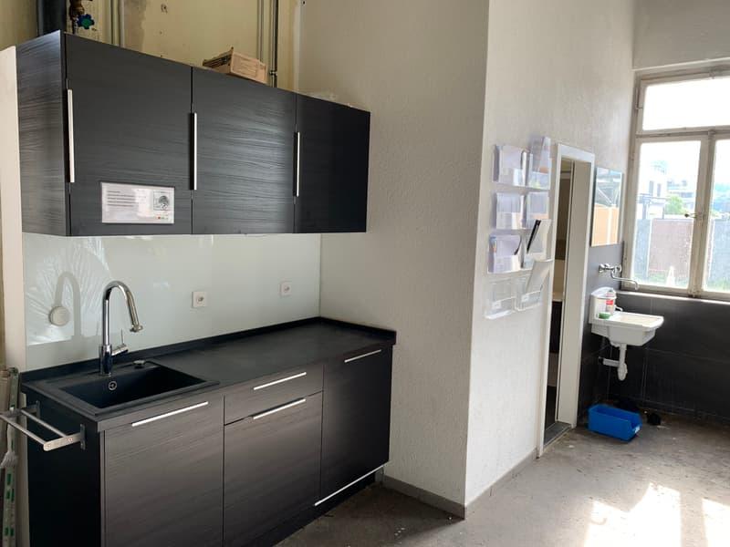 Küche im Werkstattbereich