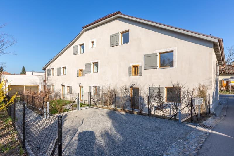 Superbe appartement rénové de 5 pièces dans une maison de village